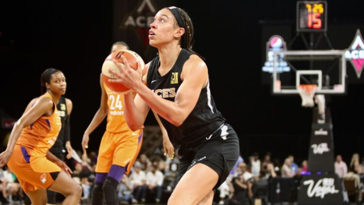 Dearica Hamby, Re-sign with Las Vegas Aces, WNBA Free Agency